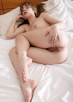 Free Teen Sleeping Porn Pictures