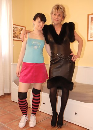 Free Lesbian Teen Porn Pictures